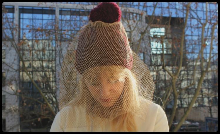 final bonnet voilette